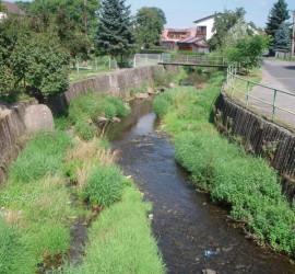 Bystrý potok v obci Baška
