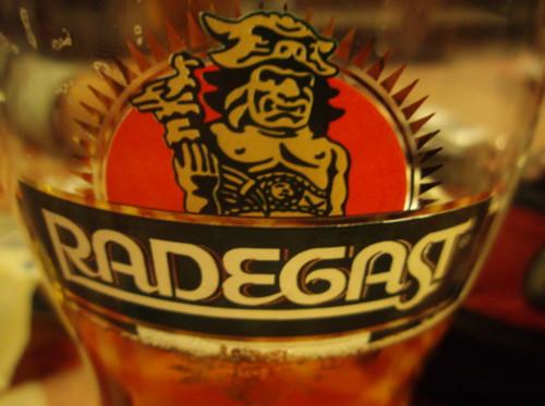 Pivo Radegast sklenice