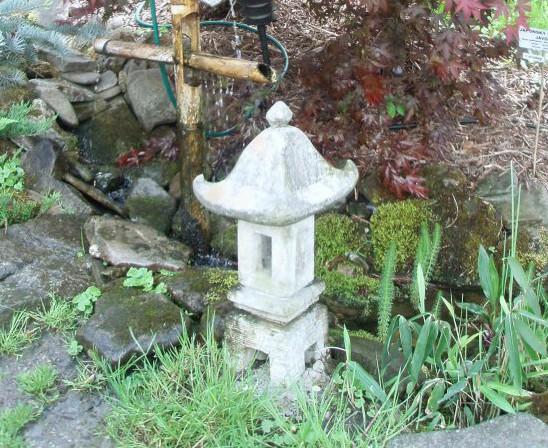 Potůček na zahradě arboreta na Hukvaldech
