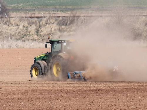Ilustrační foto. Zdroj: http://rakovnicky.denik.cz/zpravy_region/v-extremnim-suchu-odbornici-nabadaji-neplytvejte-vodou-20150723.html